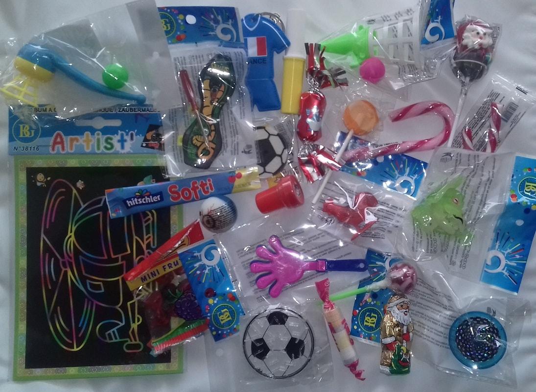 jouets-et-bonbons-pour-calendrier-de-l-avent